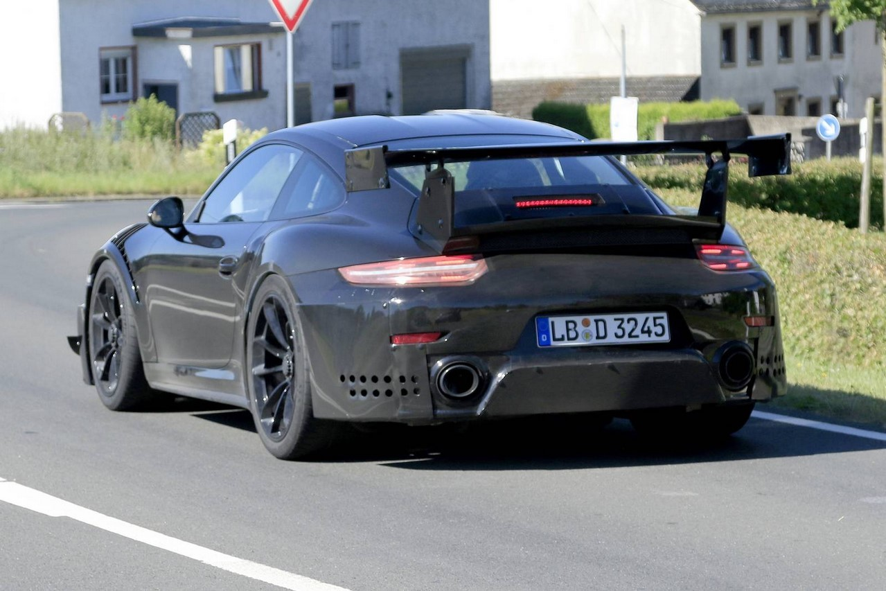 spyshots porsche 911 gt2 rs 2017 en vid o sur le n rburgring photo 9 l 39 argus. Black Bedroom Furniture Sets. Home Design Ideas