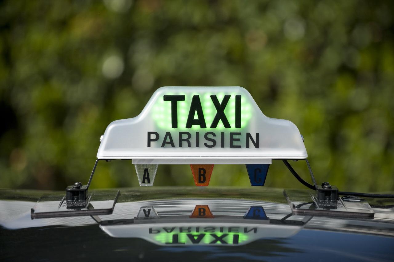 les taxis remont s contre les vtc l 39 argus. Black Bedroom Furniture Sets. Home Design Ideas