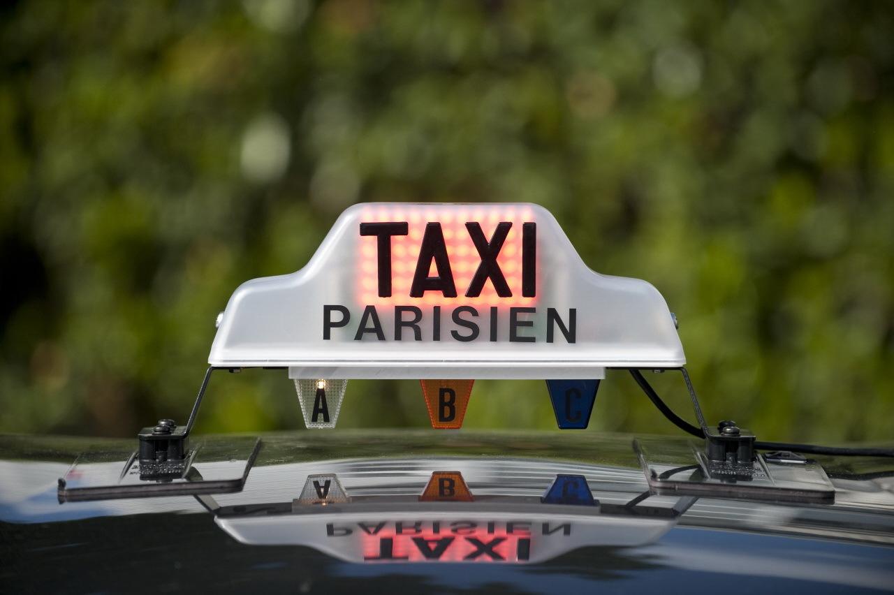 les taxis parisiens toujours en col re contre les vtc l 39 argus. Black Bedroom Furniture Sets. Home Design Ideas