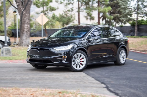 tesla model x d j plus de 20 000 pr r servations l 39 argus. Black Bedroom Furniture Sets. Home Design Ideas