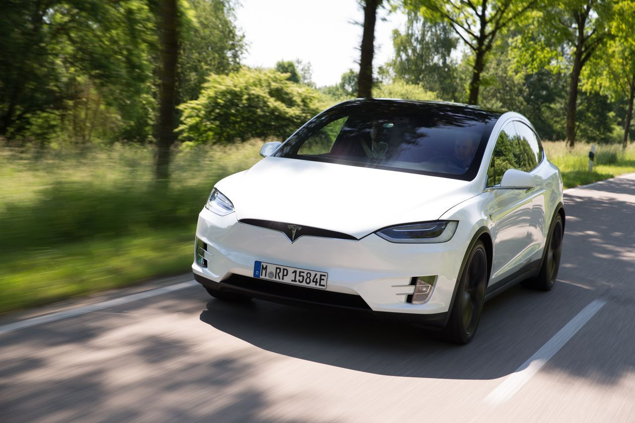 essai tesla model x p90d le suv du troisi me type photo 5 l 39 argus. Black Bedroom Furniture Sets. Home Design Ideas