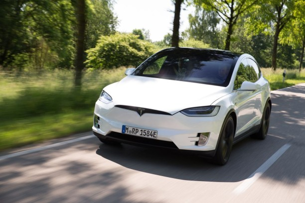 essai tesla model x p90d le suv du troisi me type l 39 argus. Black Bedroom Furniture Sets. Home Design Ideas