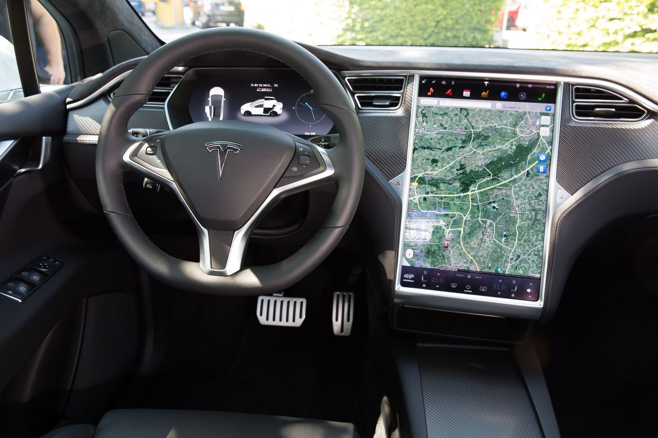 essai tesla model x p90d le suv du troisi me type photo 16 l 39 argus. Black Bedroom Furniture Sets. Home Design Ideas