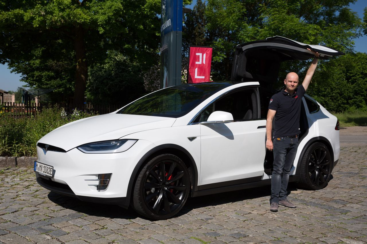essai tesla model x p90d le suv du troisi me type photo 22 l 39 argus. Black Bedroom Furniture Sets. Home Design Ideas
