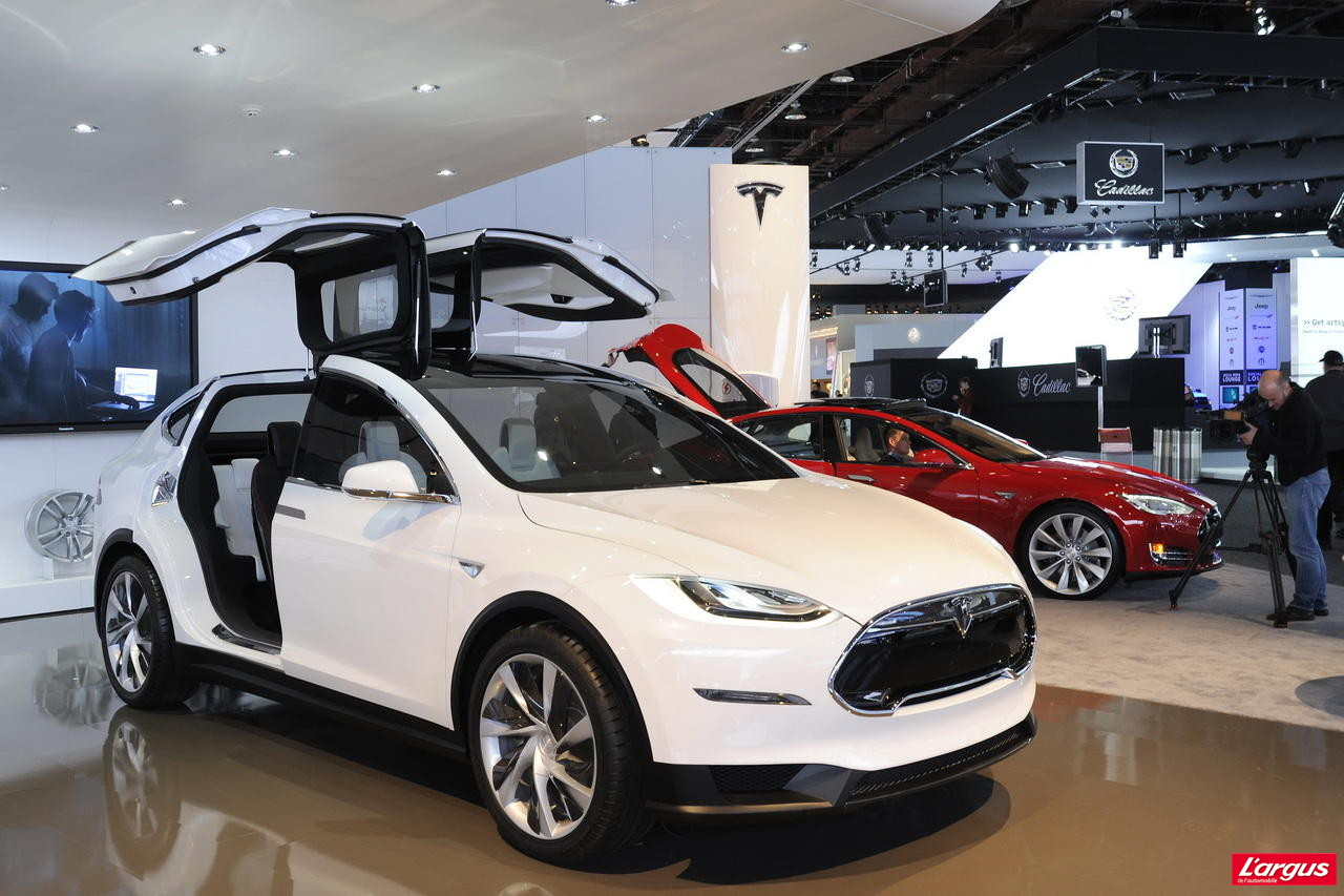 tesla model x le monospace lectrique photo 1 l 39 argus. Black Bedroom Furniture Sets. Home Design Ideas