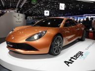 Touring : l'Artega Scalo Superelletra électrise le stand