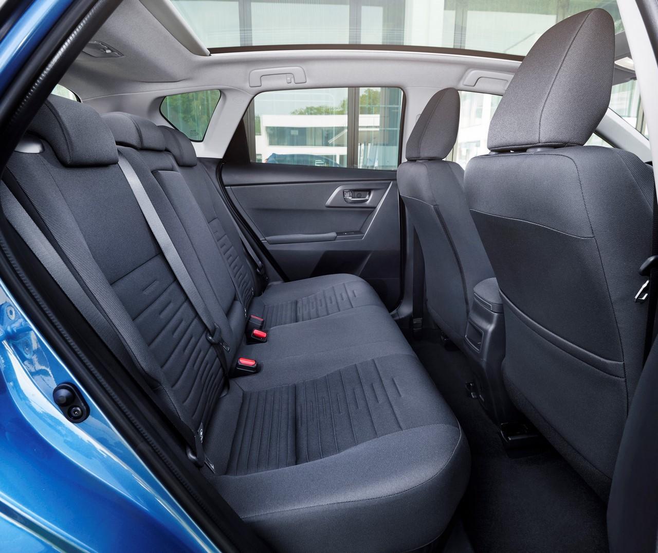 Toyota Auris HSD 2015 : prix et caractéristiques de l ...