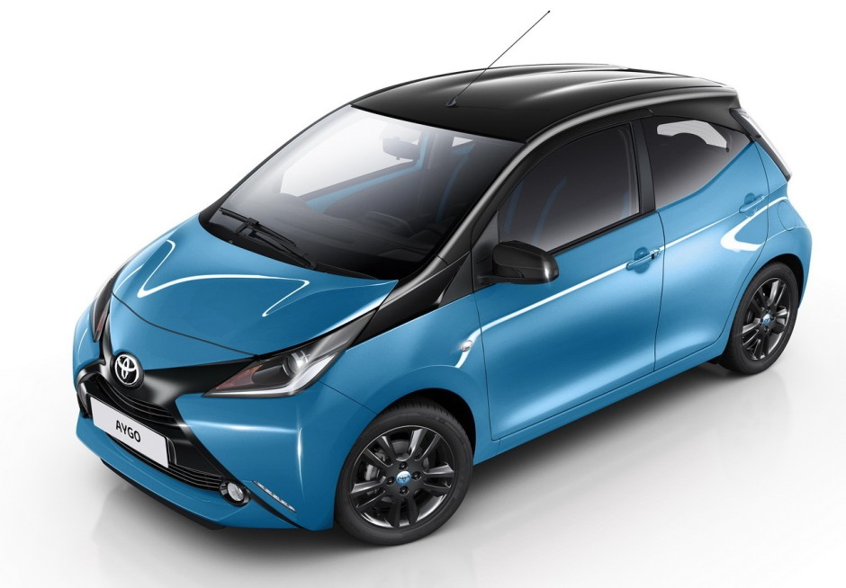 toyota aygo 2015 nouvelle finition x cite bleu cyan photo 2 l 39 argus. Black Bedroom Furniture Sets. Home Design Ideas