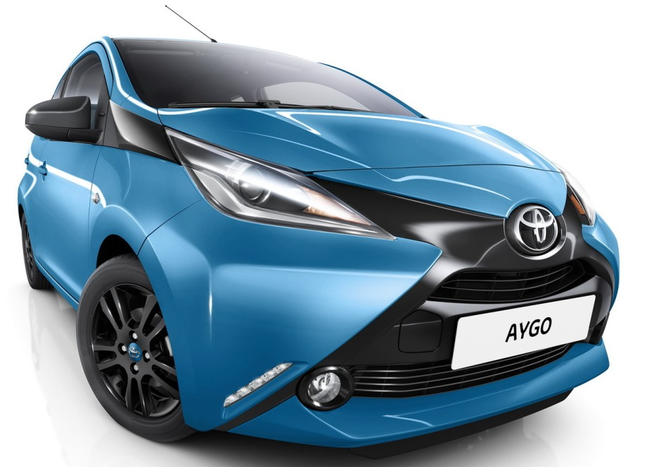 toyota aygo 2015 nouvelle finition x cite bleu cyan photo 3 l 39 argus. Black Bedroom Furniture Sets. Home Design Ideas