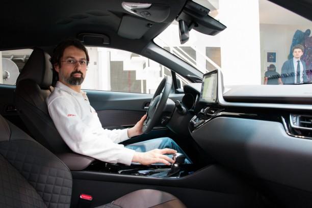 Toyota c hr l 39 argus d j bord du qashqai de toyota for Interieur toyota chr
