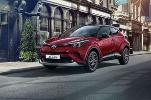 toyota C-HR hybride Collection rouge