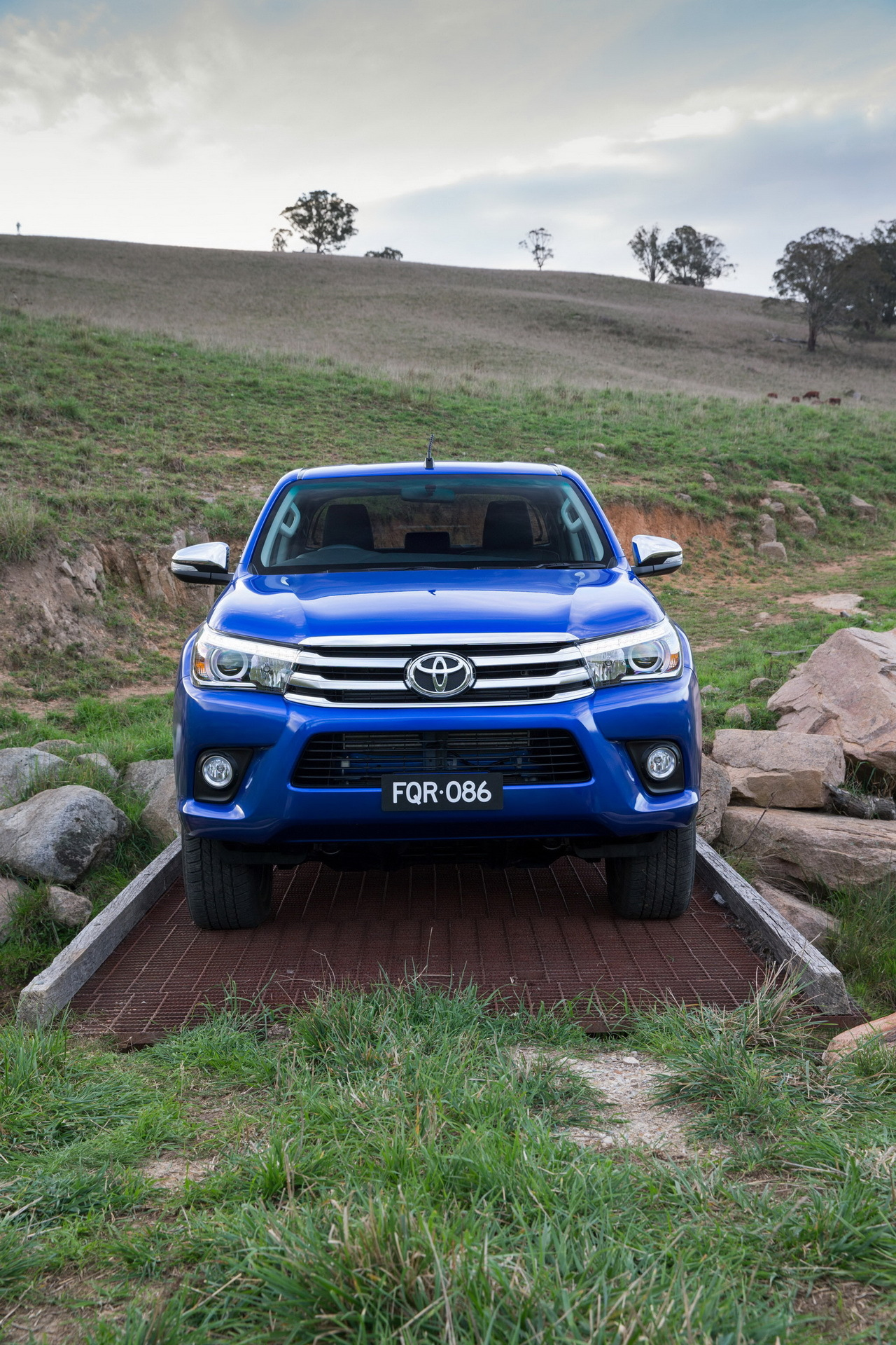 nouveau toyota hilux le num ro 8 photo 2 l 39 argus. Black Bedroom Furniture Sets. Home Design Ideas