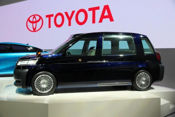 toyota jpn taxi concept un peu de londres tokyo l 39 argus. Black Bedroom Furniture Sets. Home Design Ideas