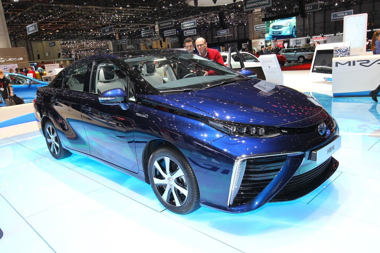 gen ve 2015 la toyota mirai pas encore pour la france l 39 argus. Black Bedroom Furniture Sets. Home Design Ideas