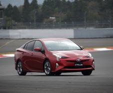 La Toyota Prius 2016 en virage sur le Fuji Speedway, au Japon