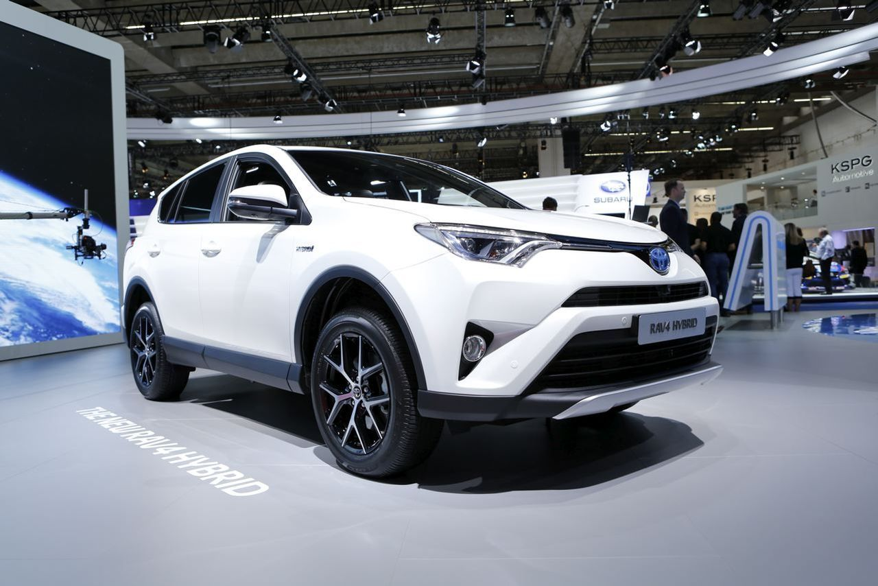 toyota rav4 hybride one une s rie limit e 200 exemplaires l 39 argus. Black Bedroom Furniture Sets. Home Design Ideas