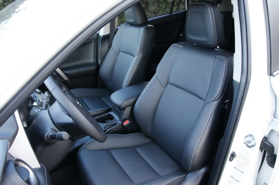 essai toyota rav4 hybride notre avis sur le nouveau rav4 photo 8 l 39 argus. Black Bedroom Furniture Sets. Home Design Ideas