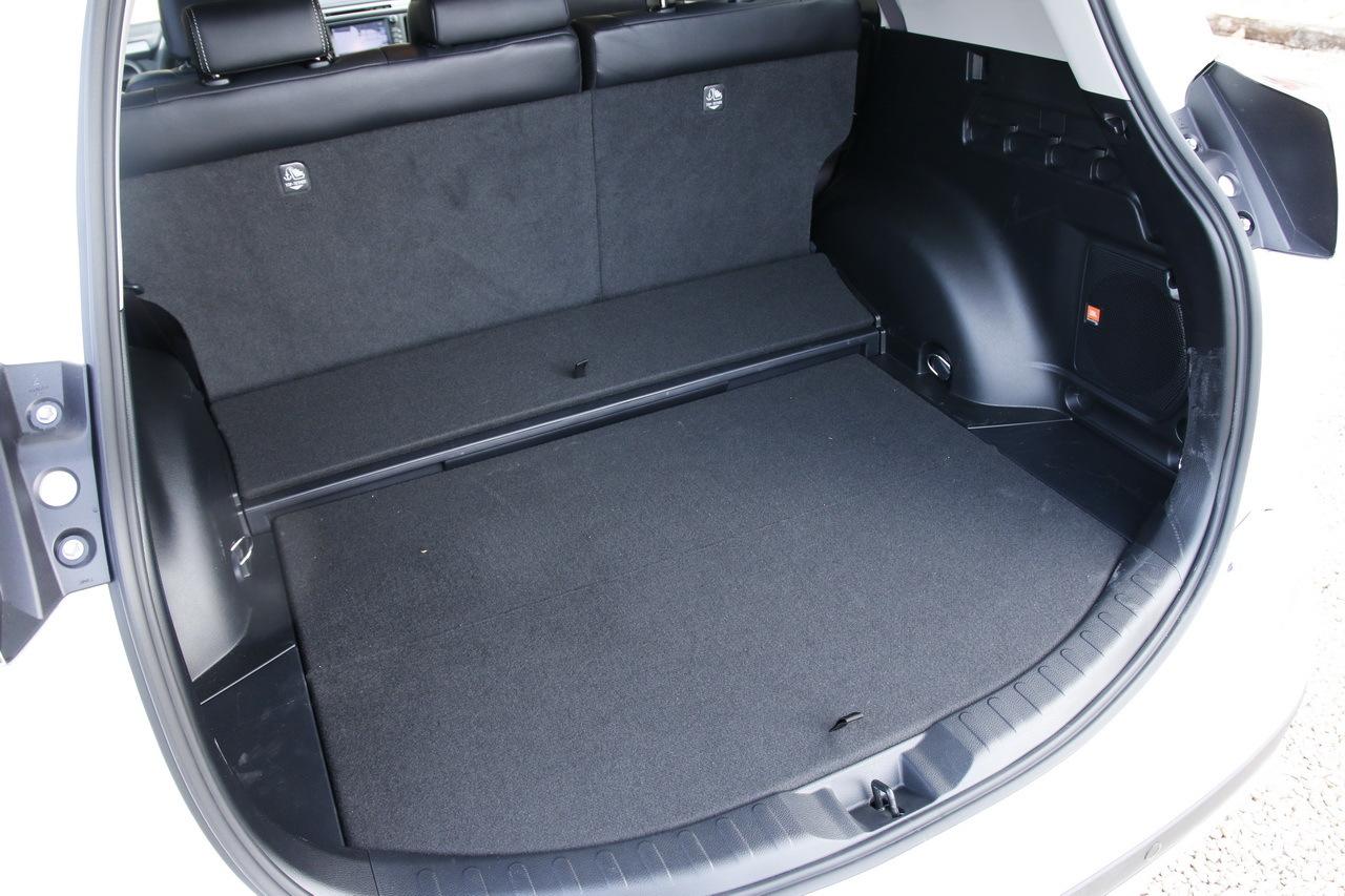 essai toyota rav4 hybride notre avis sur le nouveau rav4 photo 18 l 39 argus. Black Bedroom Furniture Sets. Home Design Ideas