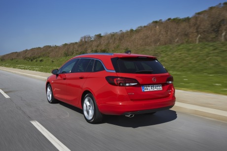 Opel Astra Sports Tourer 2016 1.6 CDTi 160 BiTurbo : Action travelling AR