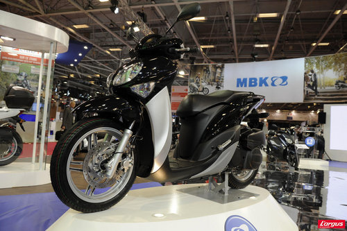 salon de la moto 2011 mbk oceo l 39 argus. Black Bedroom Furniture Sets. Home Design Ideas