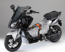 essai du maxi scooter lectrique bmw c evolution l 39 argus. Black Bedroom Furniture Sets. Home Design Ideas