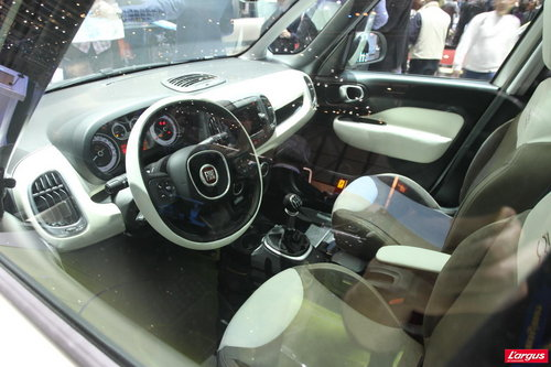 Fiat 500l et maintenant l 39 int rieur salon de gen ve for Interieur fiat multipla