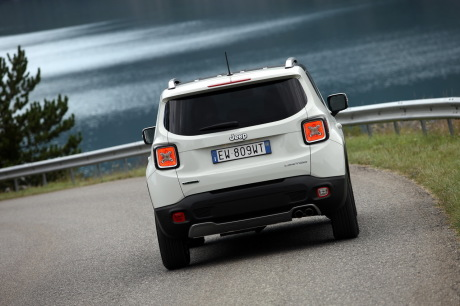 fiche technique jeep renegade 1 6 mjt 120 4x2 l 39 argus. Black Bedroom Furniture Sets. Home Design Ideas