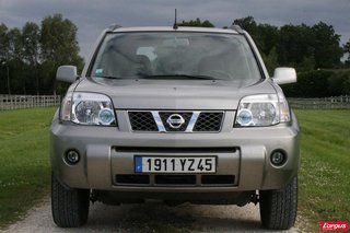 nissan x trail i t30 laquelle choisir. Black Bedroom Furniture Sets. Home Design Ideas