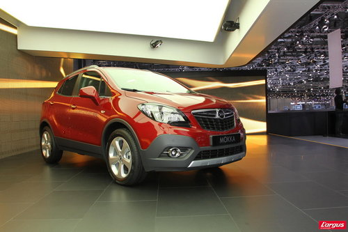 opel mokka petit format grand ar me mondial de l 39 auto 2012. Black Bedroom Furniture Sets. Home Design Ideas