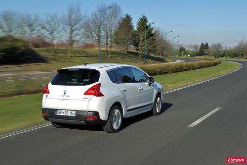txt_Peugeot_3008_HYbrid4_12.jpg?0