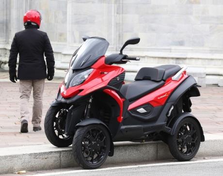 quadro 4 le 1er scooter quatre roues en concession d but 2015 l 39 argus. Black Bedroom Furniture Sets. Home Design Ideas