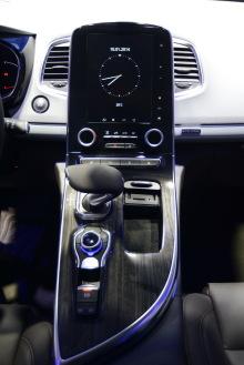 renault espace v photos et vid os espace 2015 au mondial de l 39 auto l 39 argus. Black Bedroom Furniture Sets. Home Design Ideas