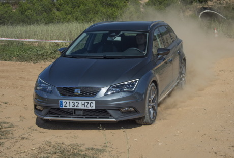 essai seat leon x perience 2 0 tdi 150 l 39 appel des collines l 39 argus. Black Bedroom Furniture Sets. Home Design Ideas
