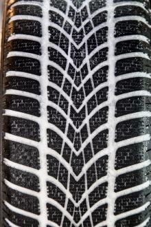 test exclusif quel est le meilleur pneu hiver 2014 2015 l 39 argus. Black Bedroom Furniture Sets. Home Design Ideas