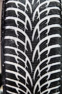 test exclusif quel est le meilleur pneu hiver 2014 2015. Black Bedroom Furniture Sets. Home Design Ideas