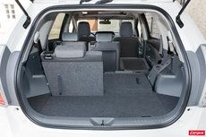 la toyota prius l 39 essai l 39 argus. Black Bedroom Furniture Sets. Home Design Ideas