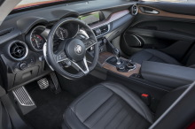 essai alfa romeo stelvio essence notre avis sur le premier suv alfa l 39 argus. Black Bedroom Furniture Sets. Home Design Ideas