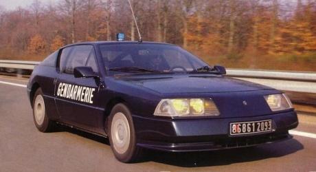 la gendarmerie est int ress e par la nouvelle alpine a110. Black Bedroom Furniture Sets. Home Design Ideas
