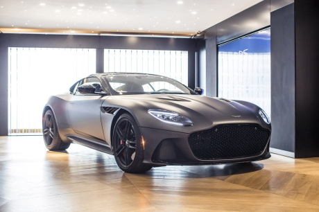 aston martin dbs superleggera impressions bord de la super db11 l 39 argus. Black Bedroom Furniture Sets. Home Design Ideas