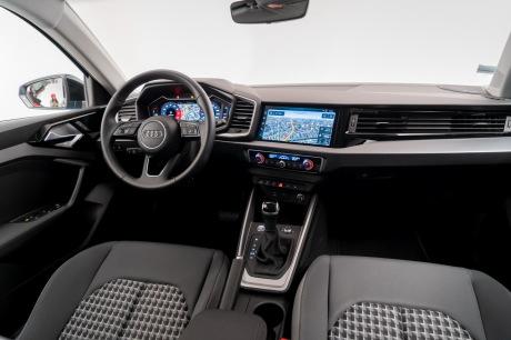 Audi A1 Sportback 2019 dashboard