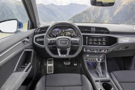 Virtual cockpit of the Audi Q3 Dashboard