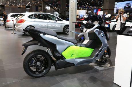 scooter bmw c evolution une hausse d 39 autonomie r serv e au permis a l 39 argus. Black Bedroom Furniture Sets. Home Design Ideas