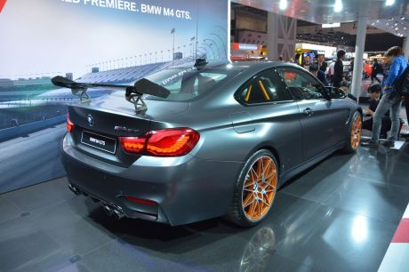 bmw m4 gts la plus sportive des bmw m4 au salon de tokyo 2015 l 39 argus. Black Bedroom Furniture Sets. Home Design Ideas