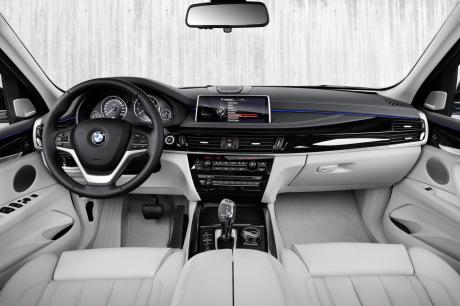 Essai bmw x5 xdrive40e 2015 luxe brio et bonne for Interieur x5