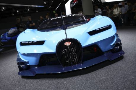 bugatti chiron 2016 premier teaser de la nouvelle supercar bugatti l 39 argus. Black Bedroom Furniture Sets. Home Design Ideas