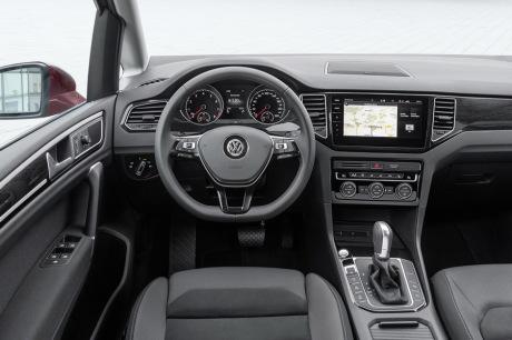 Volkswagen Golf Sportsvan restylée, programme minimum