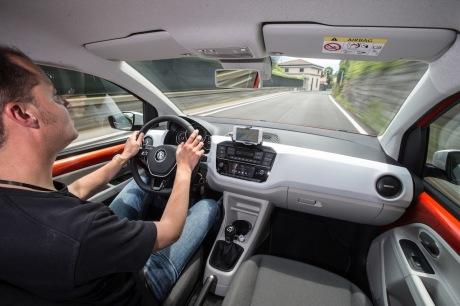 au volant de la volkswagen up 2016
