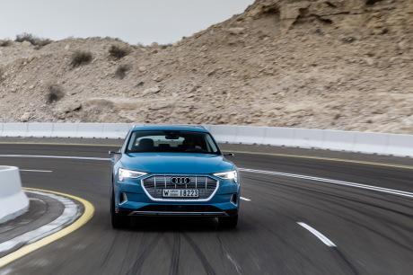 Audi e-tron antigua blue tracking