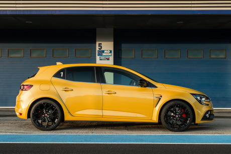 test renault megane rs 2018: the test of the chassis cup on circuit