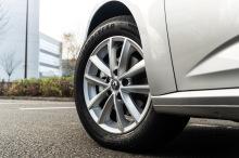 Renault Mégane Zen gray rim front left
